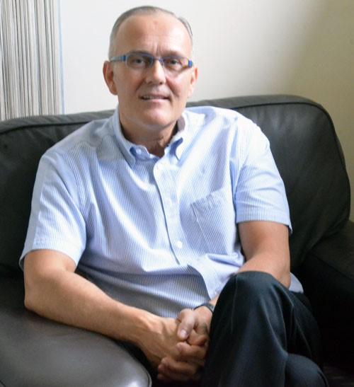 Martin Ollington