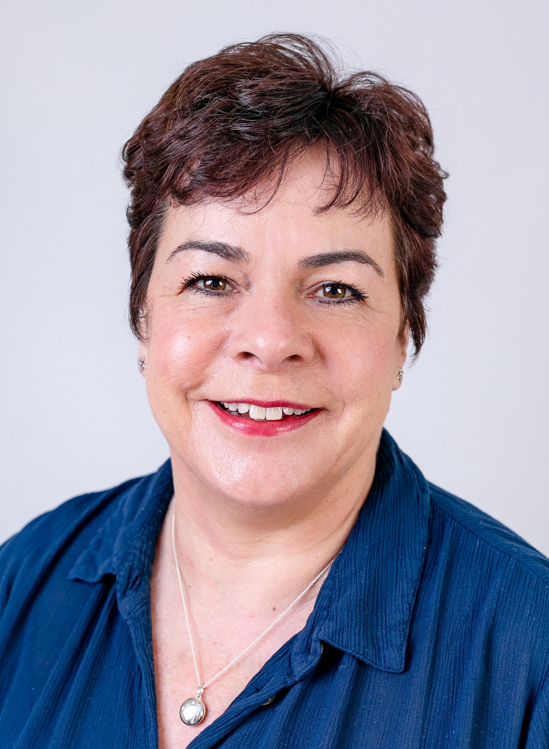 Angela  Gillen