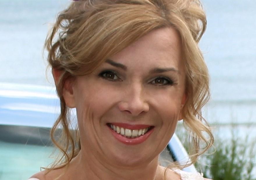 Julie Checklin