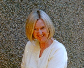 Lynda Kelly