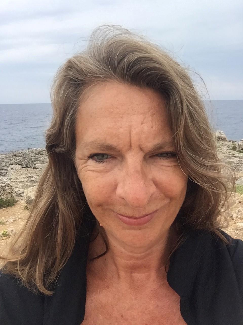 Lisa Peett