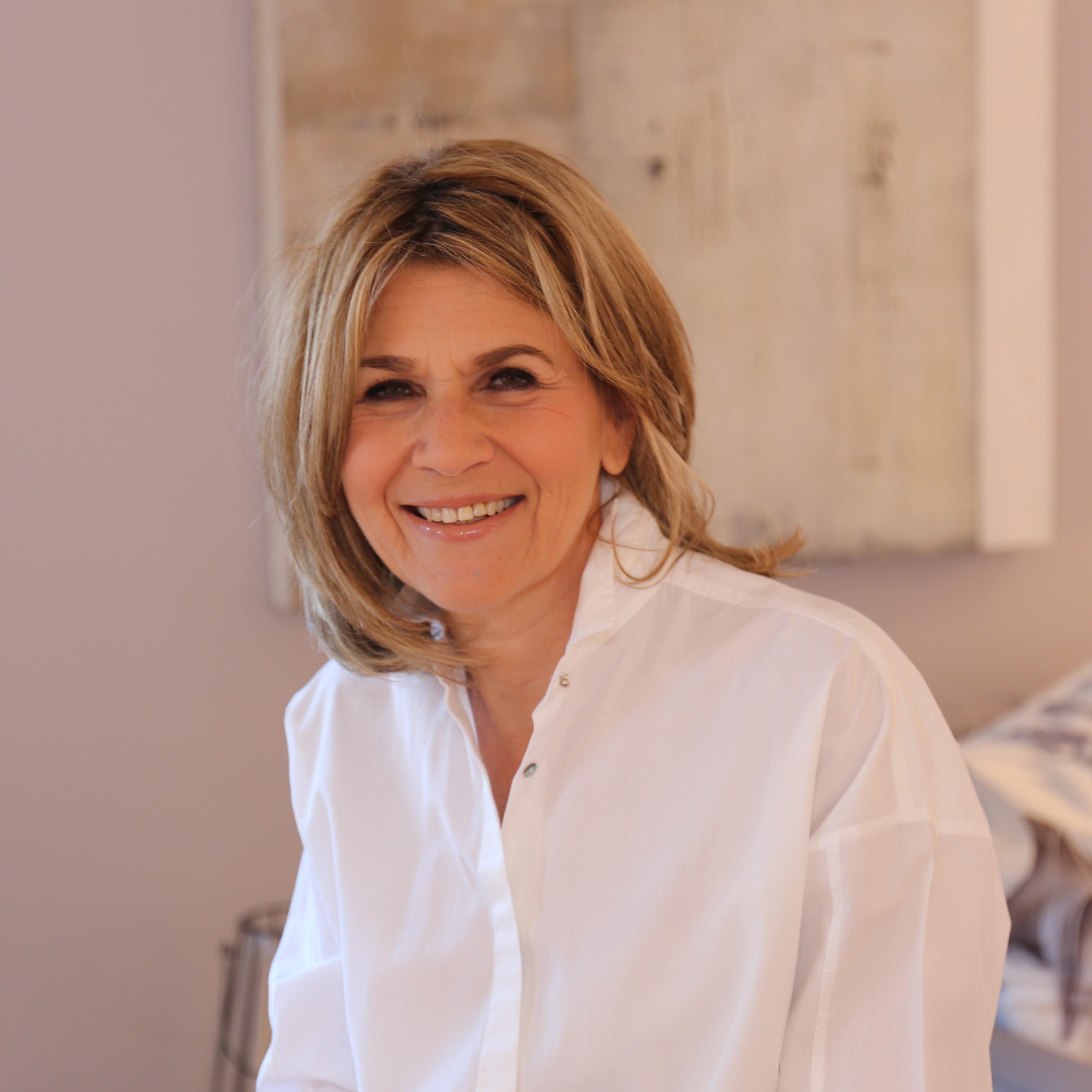 Jacqueline Hollis