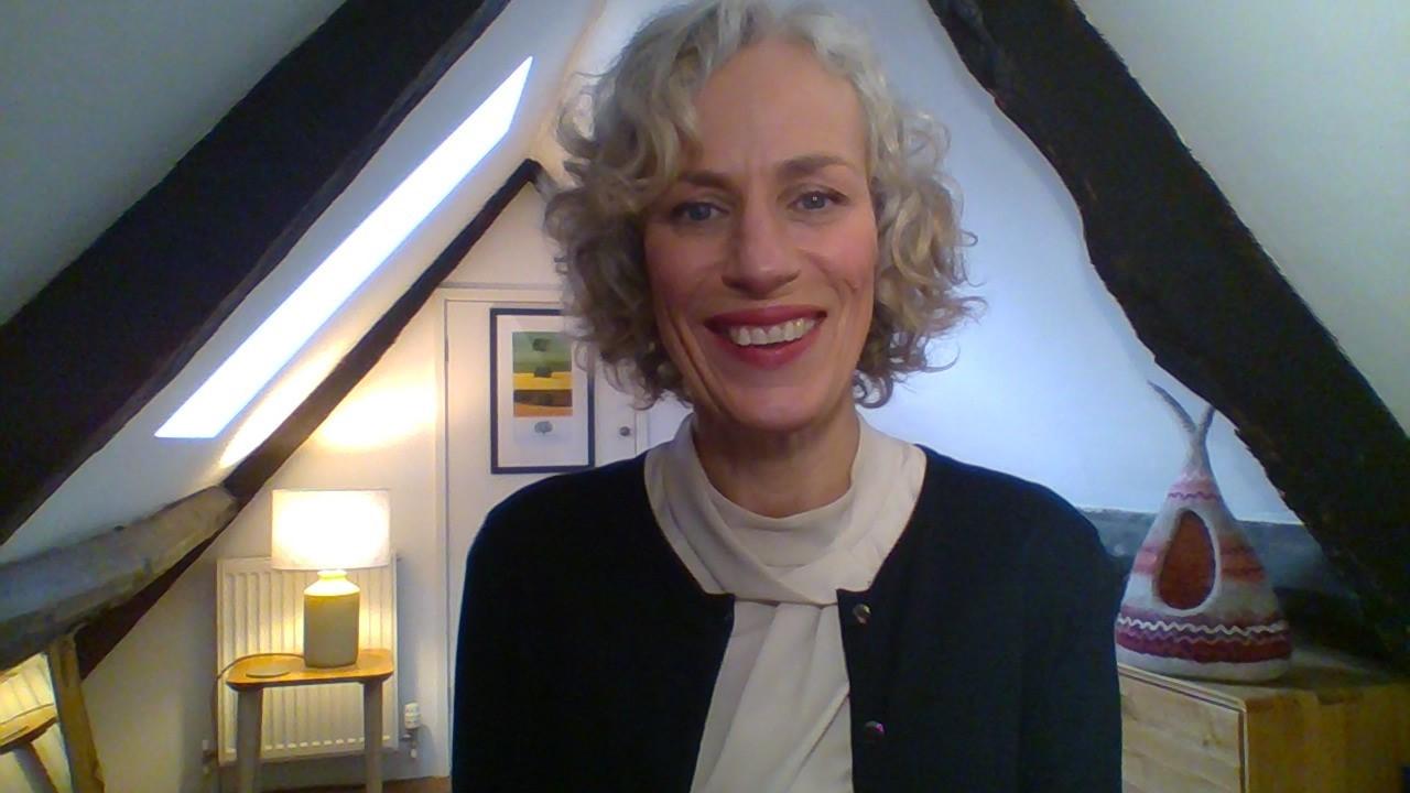 Alison Rowe